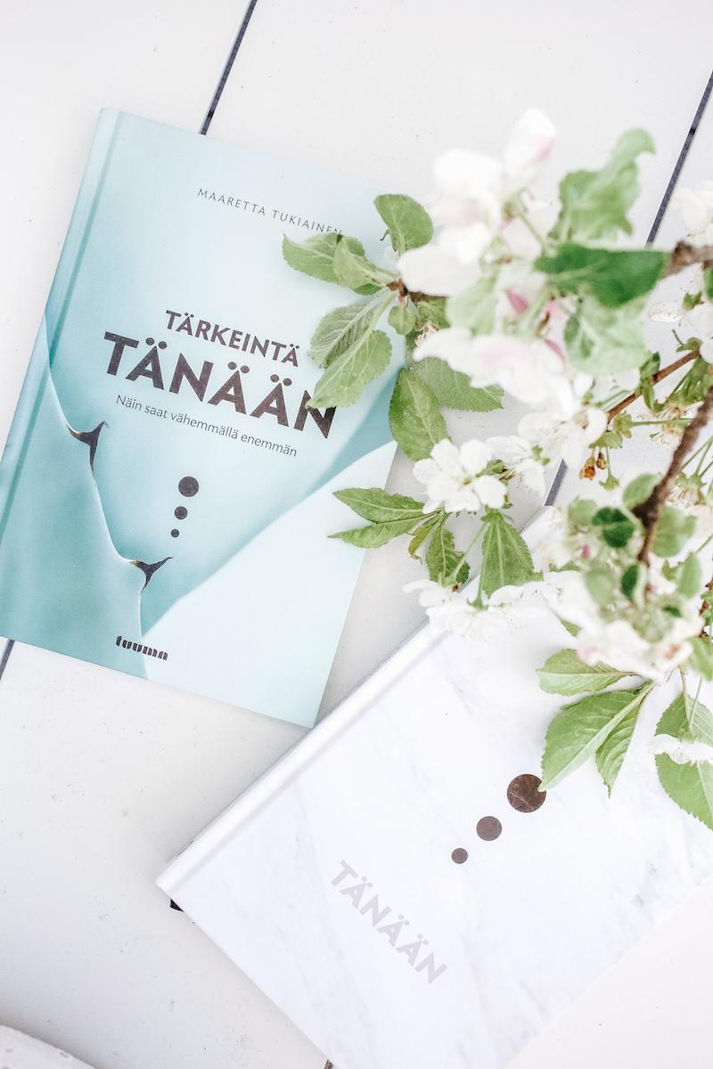 Homevialaura, lukeminen, self help -kirjat, hyvä elämä, Maaretta Tukiainen, Tärkeintä tänään