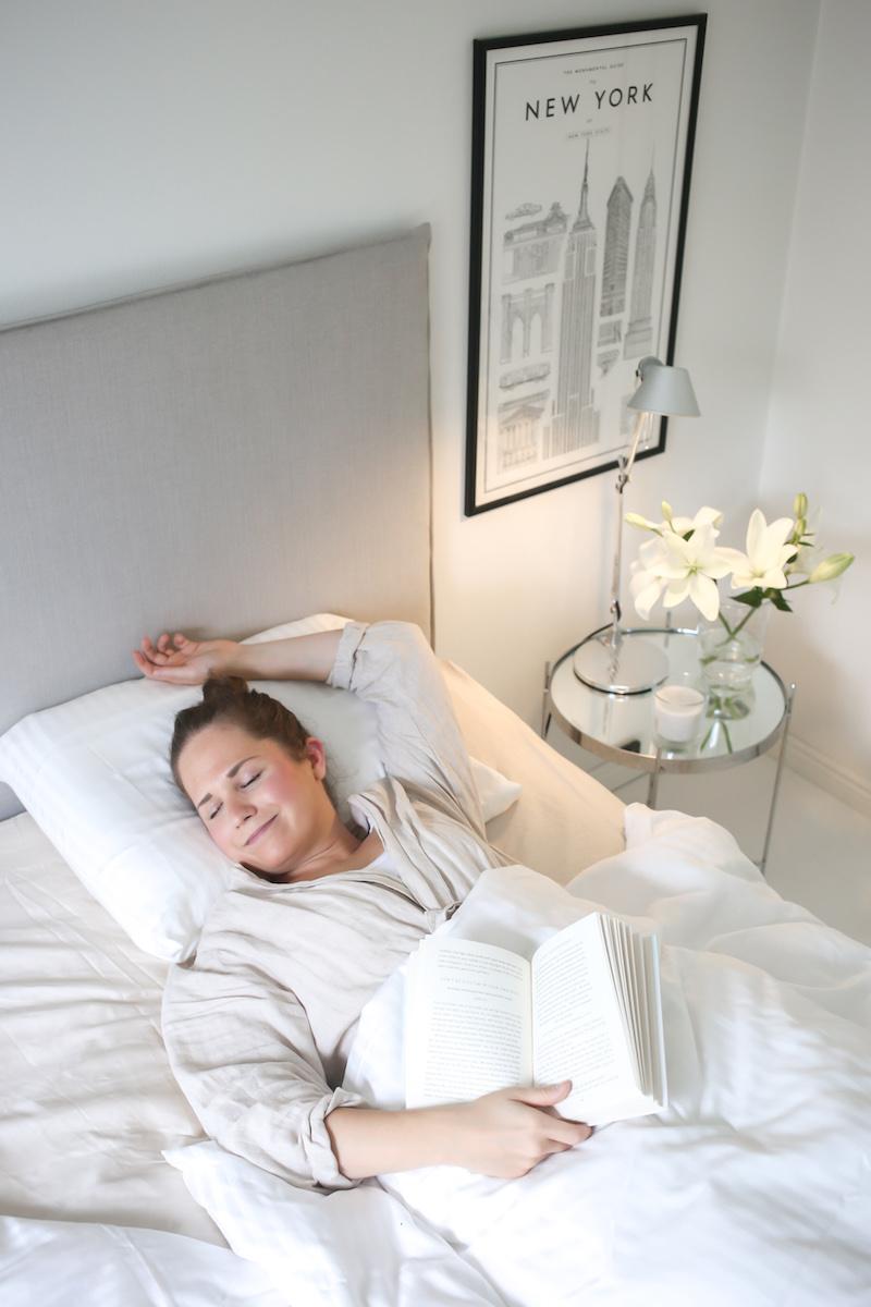 Harmoninen makuuhuone ja puhetta hyvästä unesta