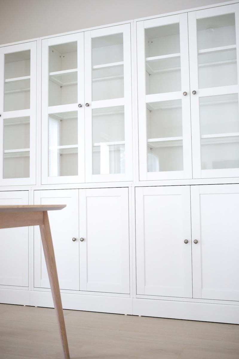 Homevialaura, Ikea Havsta, vitriini, ruokailutilan kaappi