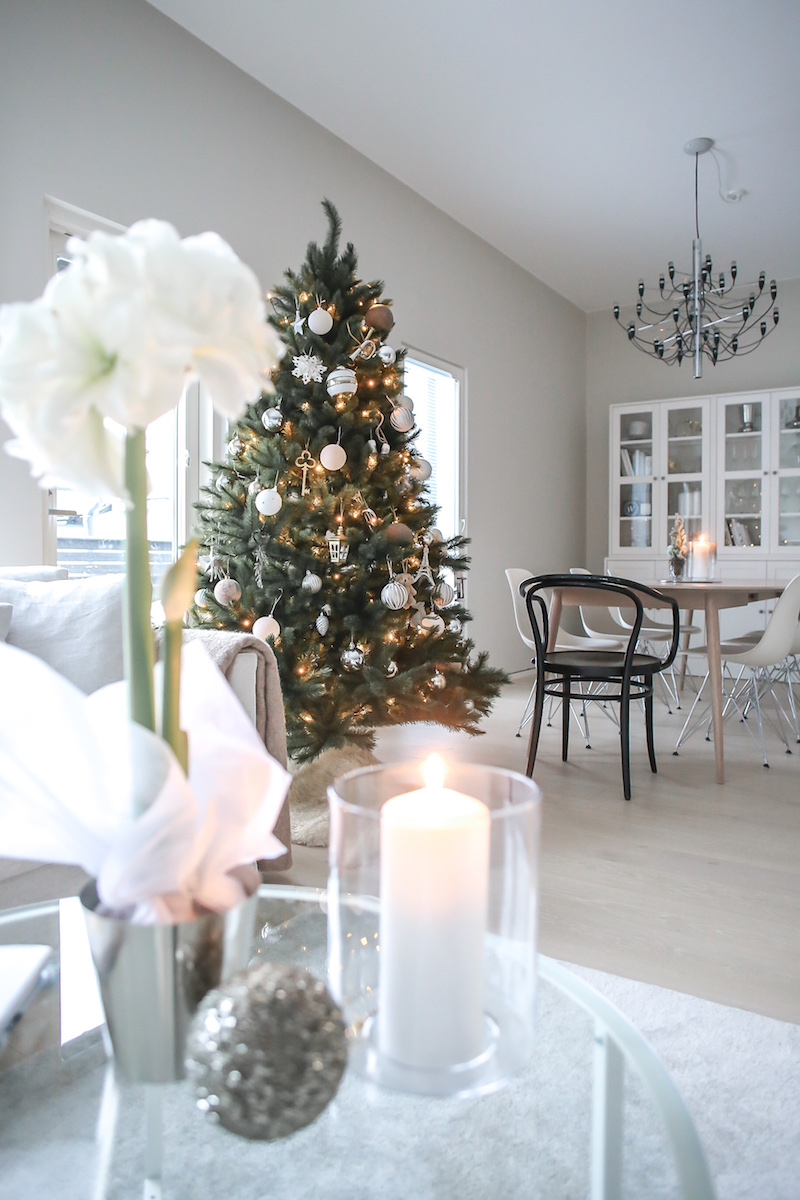 Homevialaura, joulukuusen koristelu, ensimmäinen adventti