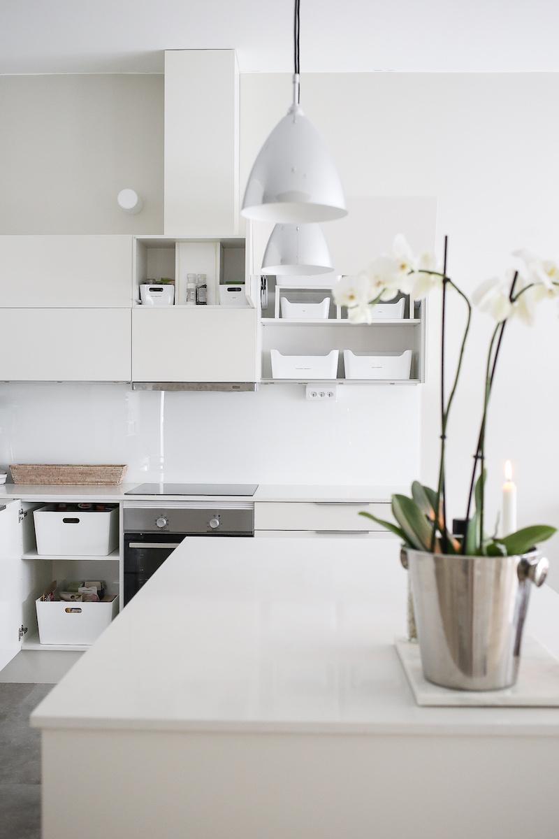 Homevialaura, Kaunis järjestys, podcast, keittiön järjestys ja kierrätys, Ikea, Kuggis, Variera