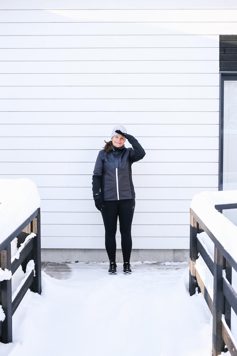 Homevialaura, talvijuoksu, talvijuoksutakki, hiihtotakki, Halti Isku, Haglöfs Wind Cap