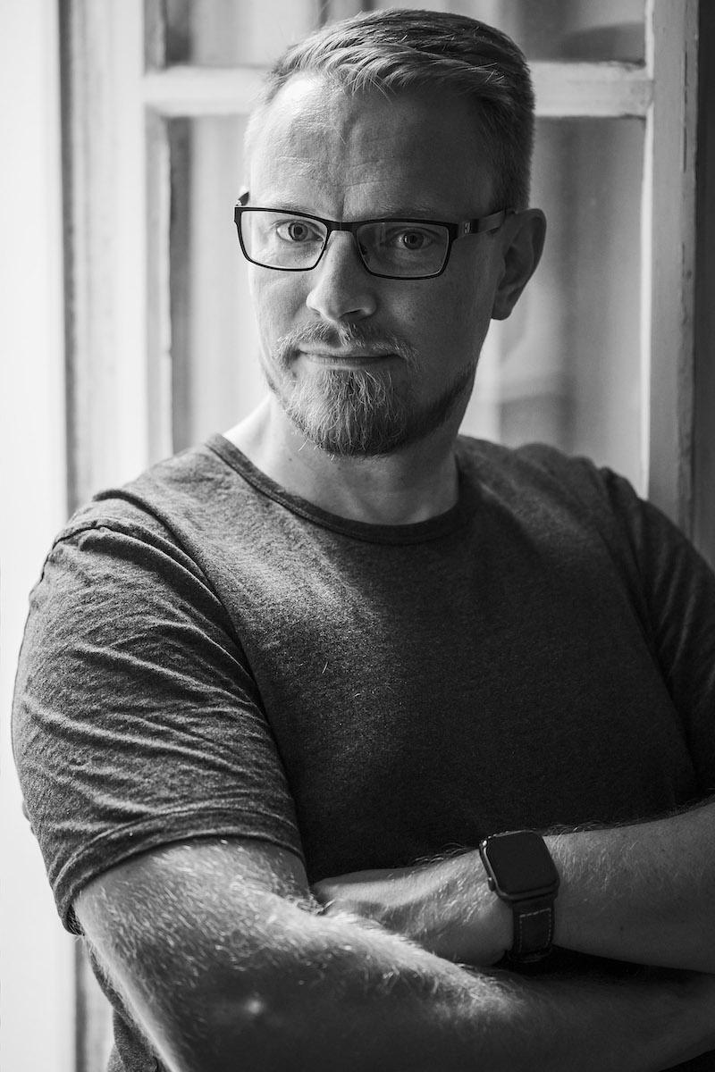 Homevialaura, Kaunis järjestys podcast, digitaalinen järjestys, Teemu Kunto. Kuva: Jonne Räsänen, Otava 2020