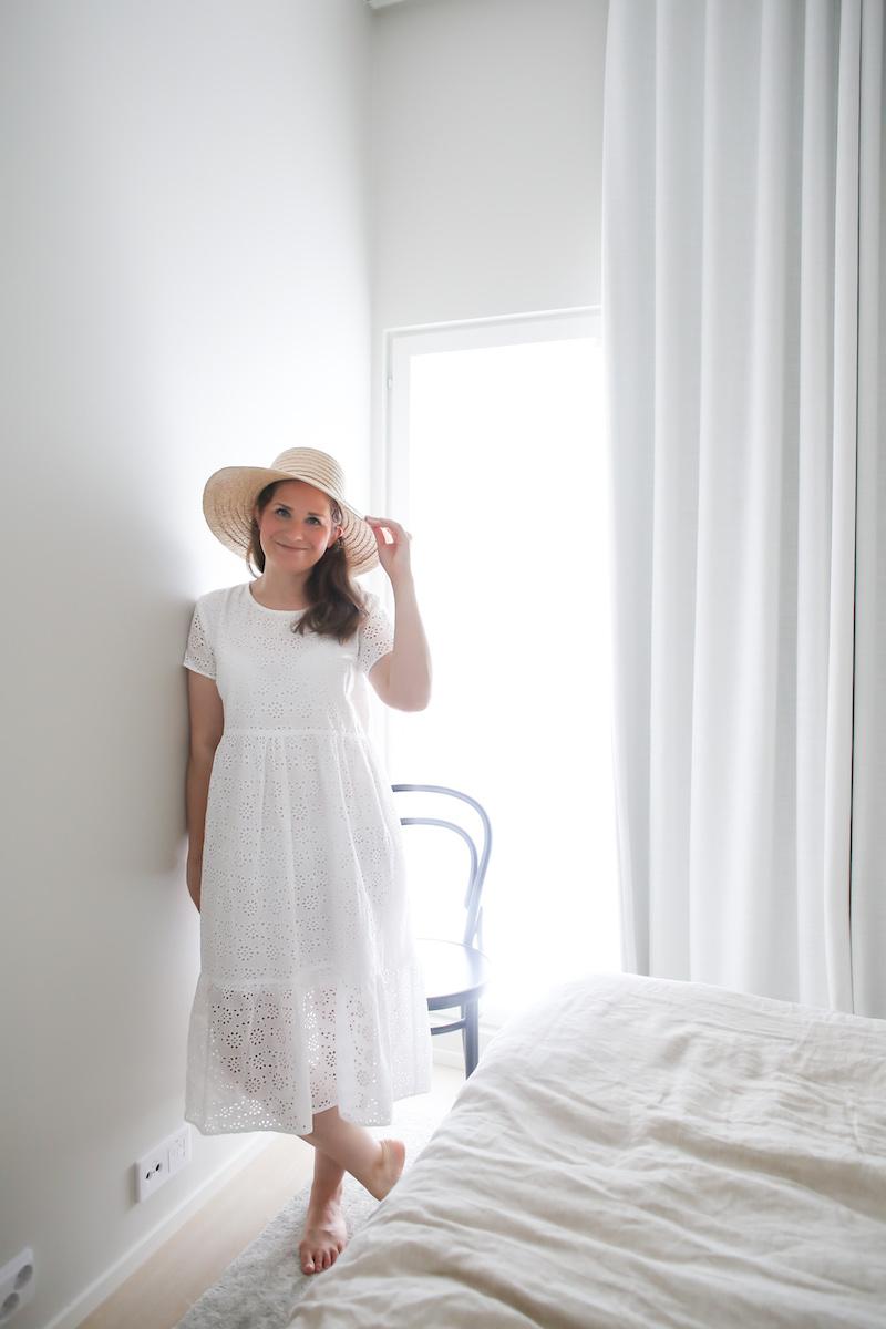 Homevialaura, minimalistin meikkipussi, meikit
