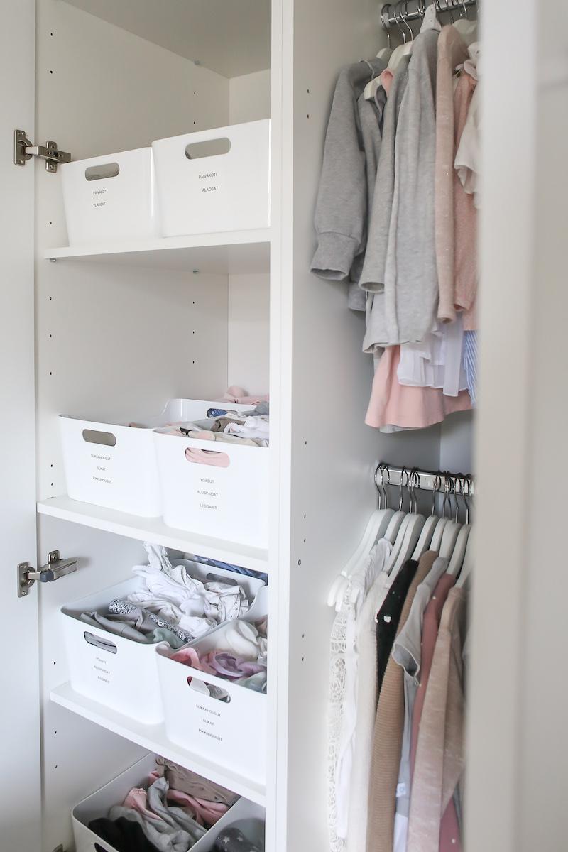 Homevialaura, lastenvaatteet, päiväkotivaatteet, vaatteiden nimikointi, nimitarrat, Tarramonsteri