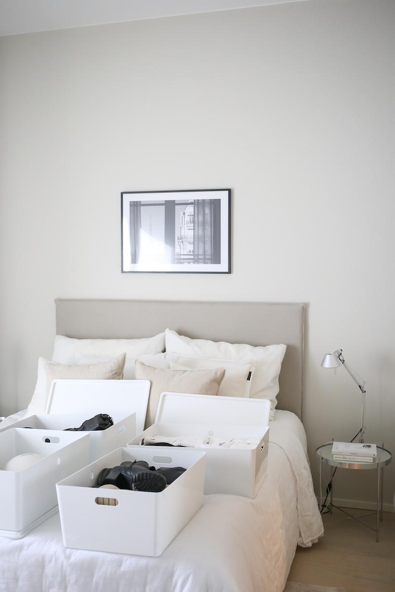 Homevialaura, sesonkivaatteiden säilytys ja järjestys, vaatehuone, Ikea Pax